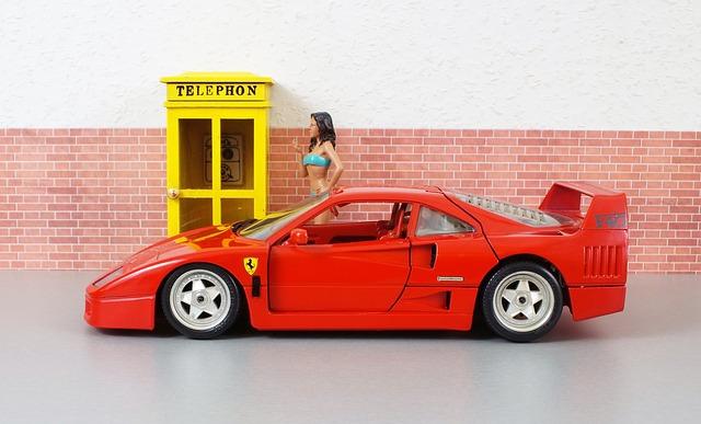 zmenšené Ferrari