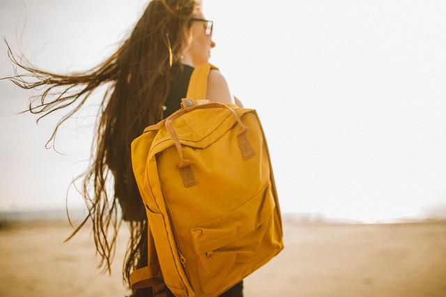 oranžový batoh.jpg