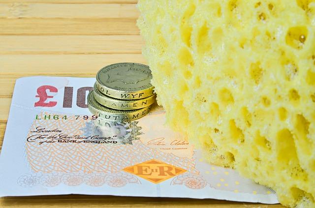 bankovka a mince